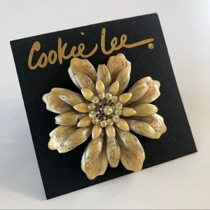 Cookie Lee Floral Brooch